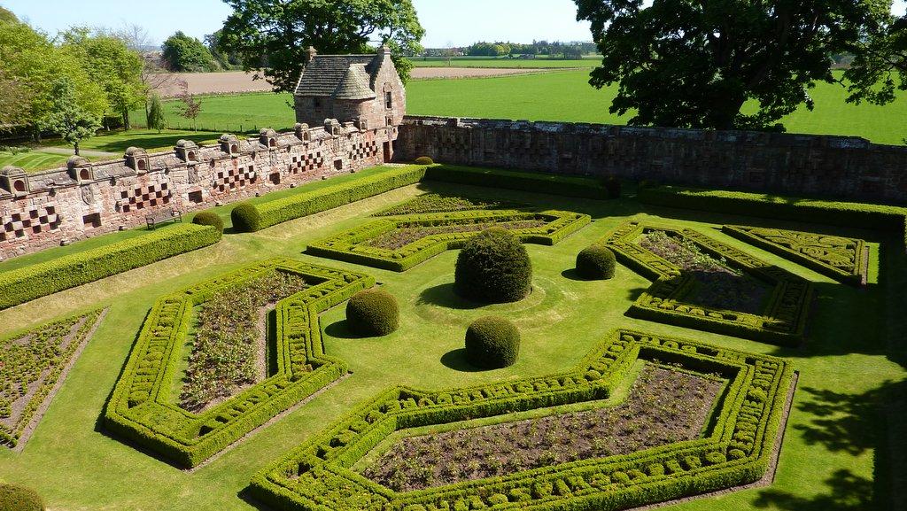 Edzell Castle Gardens