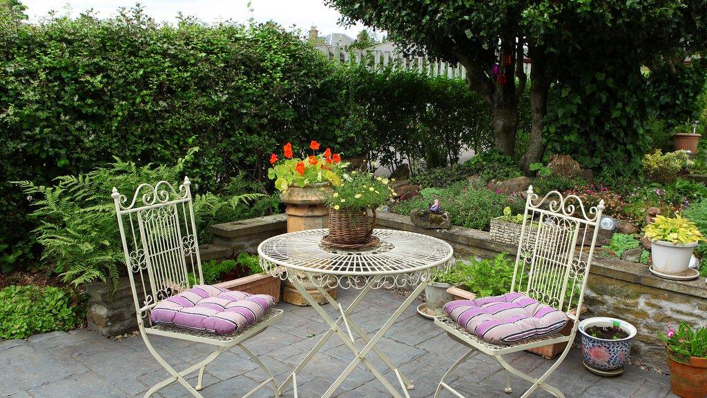 Garden at Kinnaber B&B
