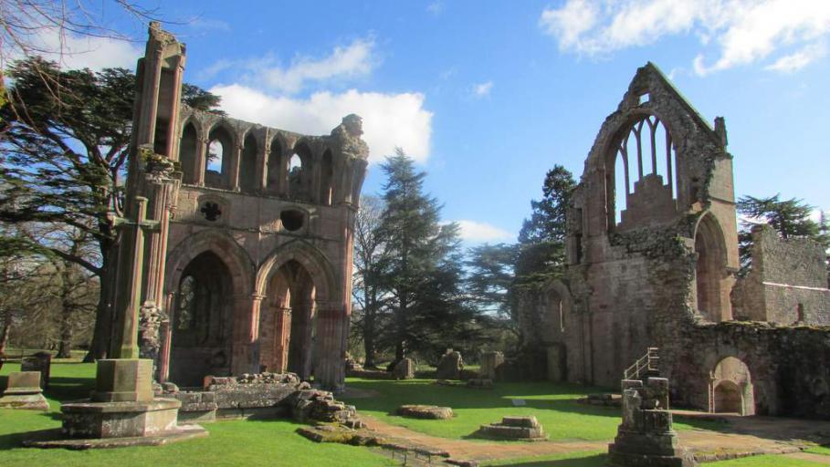 Dryburgh Abbey - photo by Mill House B&B