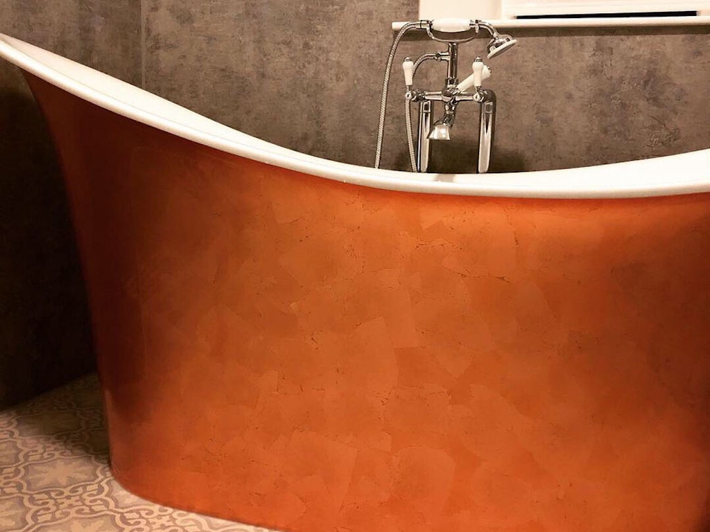 Copper bath in Chamberlain suite