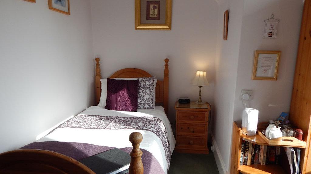 Single bedroom at Glengarry B&B