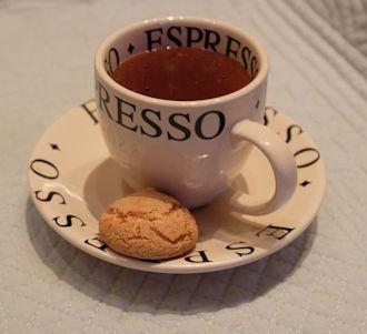 Vegan hot chocolate with almond milk