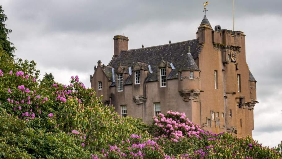 Crathes Castle - Photo by Duntrune House in Dundee