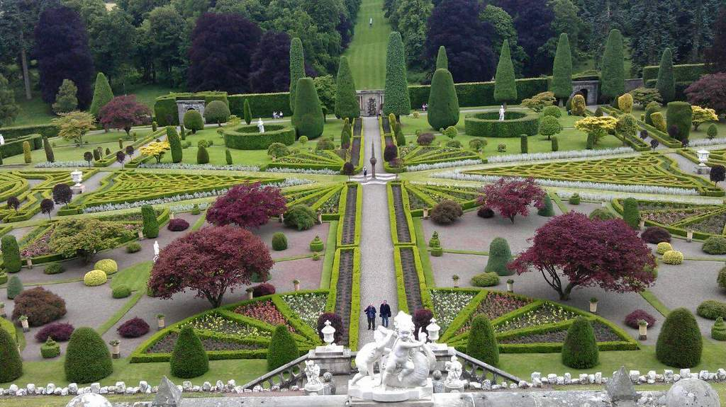 Drummond Castle Gardens - Photo by Garvally House, Alloa